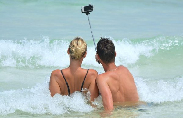 Top 10 Best Bluetooth Selfie Sticks Reviews