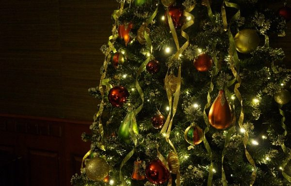 Christmas Tree Collars – Alternative Options for a Polished Christmas Tree Ensemble
