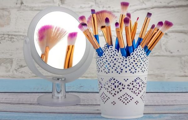 Top 10 Best LED Ring Light Make Up Mirrors Reviews 2019